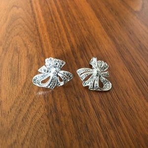 Vintage bow clip on earrings